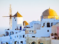 Греция. Санторини. Oia city view, Santorini. Фото Alexander Tolstykh - Depositphotos