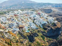 Греция. Санторини. Beautiful view of Fira. Фото d.travnikov - Depositphotos
