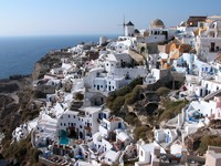 Греция. Санторини. White Santorini houses. Фото cynoclub - Depositphotos