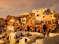 Греция. Санторини. Waiting for the sunset in Oia. Фото Andreas Karelias - Depositphotos