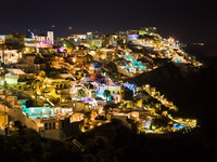 Греция. Санторини. Santorini night - Greece. Фото Violin - Depositphotos