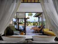 Индонезия.О.Бали. The St. Regis Bali Resort. The Strand Villa Bedroom - Ocean View