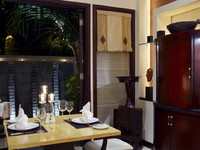 Индонезия. О.Бали. The Laguna Resort & Spa. Laguna Villa Dining Area