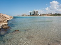 Израиль. Beach in Herzliya Israel. Фото Ron Zmiri - Depositphotos_9380064_original