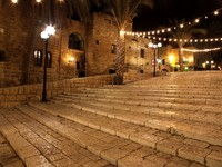 Израиль. Тель-Авив. Old street of Jaffa city, Tel Aviv in the night, Israel. Фото konstantin32 - Depositphotos
