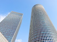 Израиль. Тель-Авив. Two buildings of Azrieli Center, Tel-Aviv, Israel. Фото Vladimir Liverts - Depositphotos