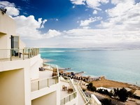 Израиль. Мертвое море. Beautiful View On The Dead Sea. Morning. Фото Kristina Afanasyeva - Depositphotos
