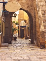 Израиль. Тель-Авив-Яффа. View of an Old Jaffa street, Israel. Фото vladi 79 Depositphotos