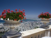 Израиль. Хайфа. Haifa seen from the beautiful Baha'i Gardens. Фото Antonio Ribeiro Depositphotos
