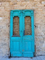 Израиль. Close-up Image Of Blue Wooden Ancient Israel Door. Фото George Kuna - Depositphotos