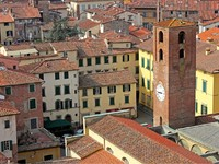Италия. Тоскана. Лукка. City View of Lucca with the Clock Tower. Фото Kiril Stanchev - Depositphotos