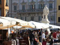 Италия. Тоскана. Лукка. Marche de Lucca. Фото Georges DIEGUES - Depositphotos