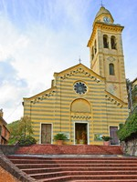 Италия. Портофино. Portofino, San Martino catholic church landmark. Liguria, Italy. Фото StevanZZ - Depositphotos