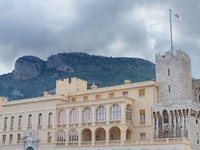 Монако. The Palace of Monaco, the official residence of the Prince of Monaco. Фото Valerijs Kostreckis - Depositphotos