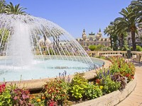 Монако. Монте Карло. Fountain in Monte Carlo, Monaco. Фото Giancarlo Liguori - Depositphotos