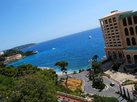 Монако. Monaco beach and luxury hotel panoramic view. Фото Yuriy Davats - Depositphotos