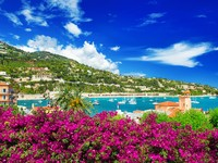Франция. Ривьера. French reviera, view of luxury resort near Nice and Monaco. Фото Liliana Fichter - Depositphotos