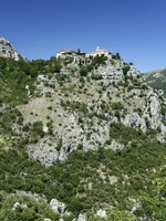 Французская Ривьера. Gourdon monastery overlooking the cote d,azur in the south of france. Фото donsimon - Depositphotos