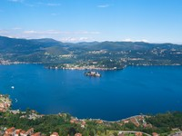 Италия. Озеро Комо. Lake Como panoramic view. Фото rglinsky Depositphotos