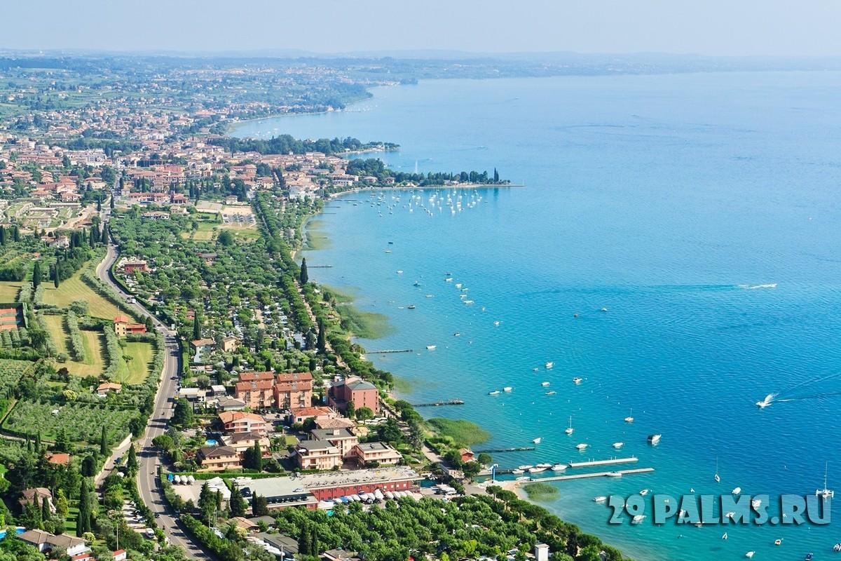 002 italiya ozero garda garda lake foto sergiy chmara depositphotos