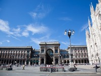 Италия. Милан. Milan Cathedral Facade and Square in Front of it. Фото  William Perugini - Depositphotos