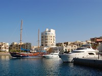 Иордания. Акаба. JSea dock in beautiful Jordanian town. Фото evgeniapp