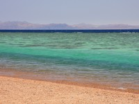 Иордания. Акаба. Aqaba gulf between Egypt and Saudi Arabia. Фото Galina Burtseva - Depositphotos