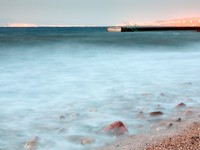 Иордания. Акаба. Pier in Red Sea at late evening near Aqaba town. Фото Valery Voennyy - Depositphotos