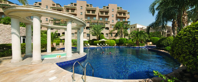 Иордания. Акаба. Movenpick Resort & Residence Aqaba. Jaccuzi at Winter Pool