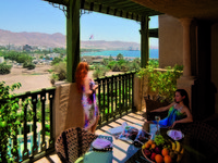 Иордания. Акаба. Movenpick Resort & Residence Aqaba. RESIDENCE TERRACE - DUPLEX APARTMENTS