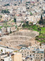 Иордания. Амман. Ancient Roman theater in Amman, Jordan. Фото Valery Voennyy - Depositphotos