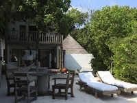 Мальдивы. Soneva Fushi. Front of Crusoe bedroom pool
