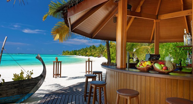 Sheraton Maldives Full Moon Resorts&Spa. Beach Bar