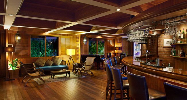 Sheraton Maldives Full Moon Resorts&Spa. Drifters - English Pub