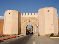 Марокко. Марракеш. Gate into the old town of Marrakech, Morocco. Фото Philip Lange - Depositphotos