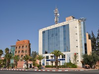 Марокко. Марракеш. Modern building of the BMCE Bank in Marrakesh. Фото Philip Lange - Depositphotos
