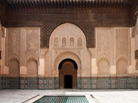 Марокко. Марракеш. Courtyard of Ali Ben Youssef Madrasa (Marrakech, Morocco). Фото  yoka66 - Depositphotos