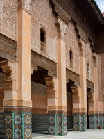 Марокко. Марракеш. Courtyard of Ali Ben Youssef Madrasa. Фото yoka66 - Depositphotos