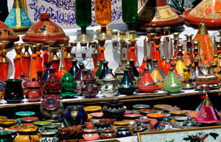Марокко. Касабланка. Traditional Moroccan Pottery at the Market. Фото Stepan Ermakov - Depositphotos