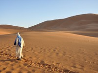 Марокко. Пустыня Сахара. Bedouin in the Sahara desert. Фото philipus - Depositphotos