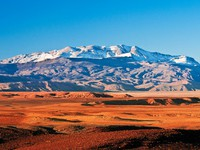 Марокко. Mountain landscape in the north of Africa, Morocco. Фото Larysa Kryvoshapka-  Depositphotos