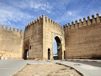 Марокко. Фес. Gate to the medina in Fes, Morocco, North Africa. Фото Philip Lange - Depositphotos