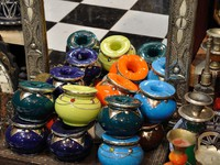 Марокко. Фес. Souvenir shop in the medina of Fes, Morocco. Фото Philip Lange - Depositphotos