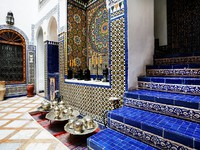 Islamic interior architectural details. Фото Sorin Rechitan - Depositphotos