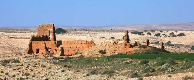 Old buildings in desert area in Morocco. Фото  Steno Wac - Depositphotos