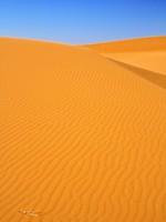 Марокко. Sand dunes and cloudless blue sky. Фото yoka66 - Depositphotos