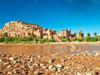Марокко. The clay city in the north of Africa, Morocco. Фото Larysa Kryvoshapka - Depositphotos