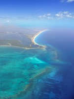 Мексика. Канкун. Caribbean sea blue turquoise water in Cancun. Фото lunamarina - Depositphotos