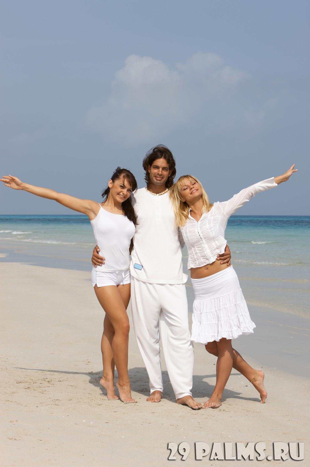 Друзья на пляже фото