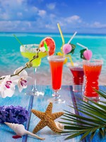 Мексика. Мексиканская кухня. Cocktails margarita sex on the beach colorful tropical. Фото lunamarina - Depositphotos